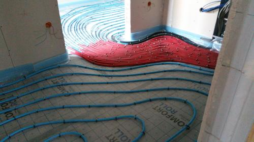 Heizschlangen auf dem Fußboden